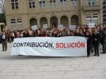Manifestación contra a suba da contribución en 2004