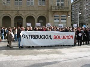 Manifestación contra a suba da contribución (2004)